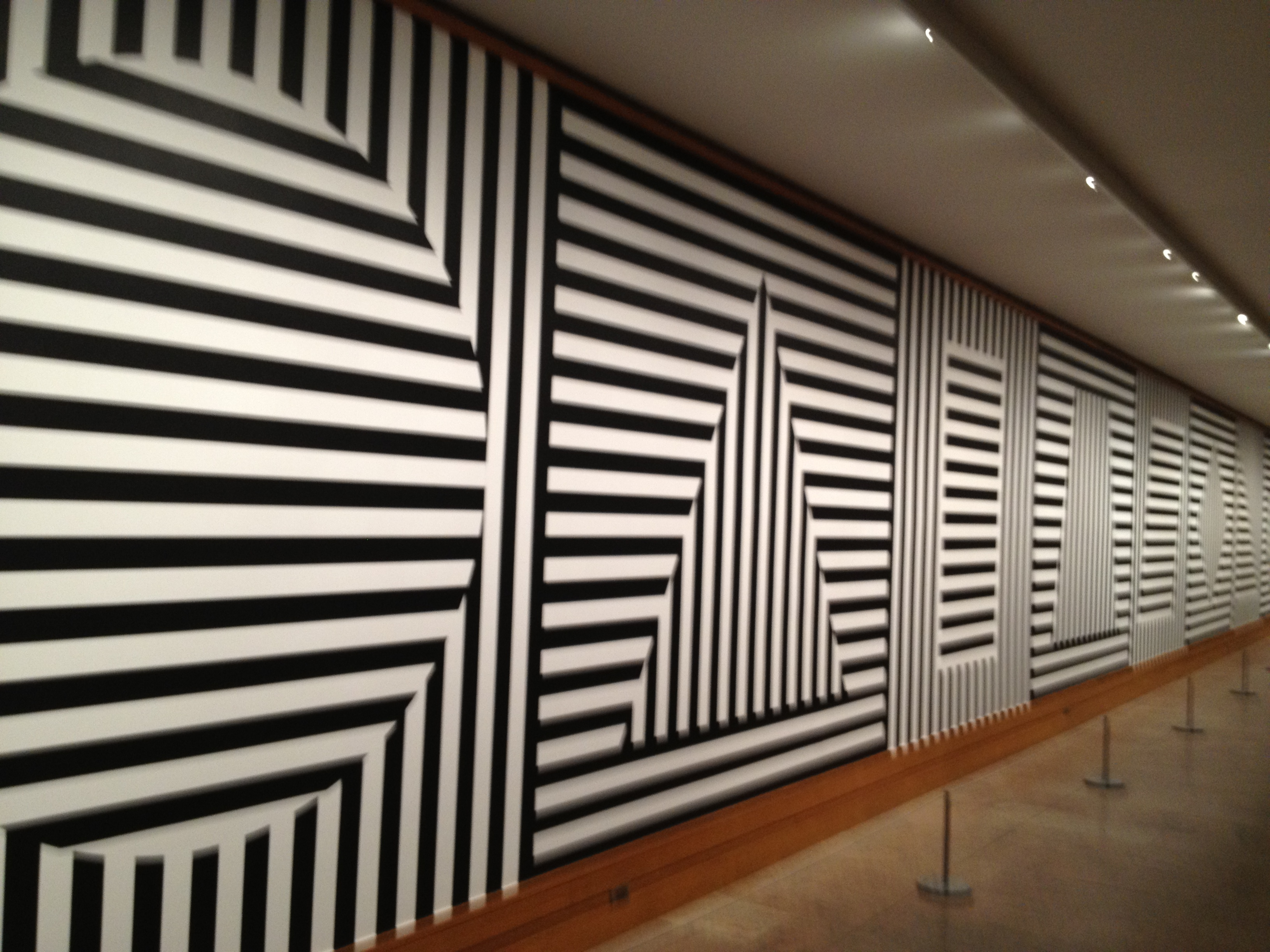 sol lewitt The centre pompidou-metz is organizing a major project around the american conceptual artist sol lewitt (1928-2007) in the 13,000 square feet of galerie 2, the.